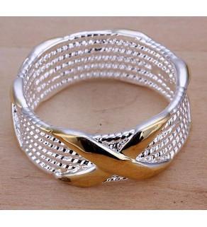 Snubní stříbrný prstýnek